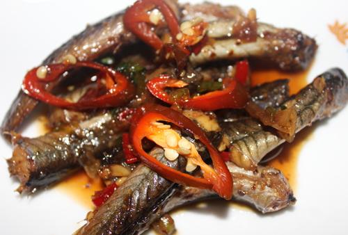 Cá kèo kho tiêu ớt hấp dẫn