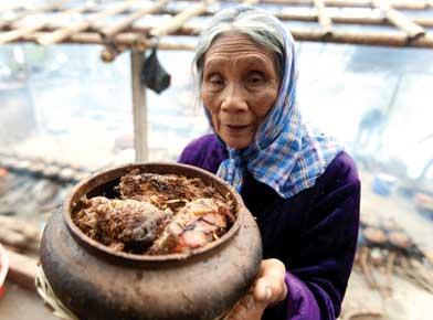 Cá kho là món ăn truyền thống của người dân làng Vũ Đại