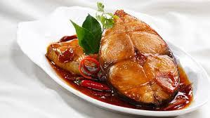 Thưởng thức món cá kho tự nhiên đặc sản làng Vũ Đại